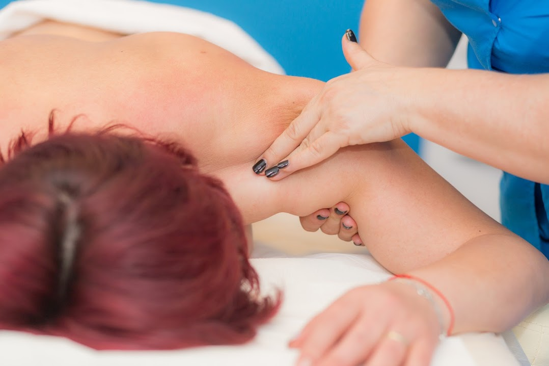 Vindecă-te prin masaj cu Terapia VEEDA