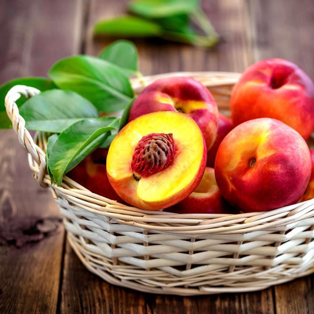 Piersicile şi nectarinele, vedetele verii